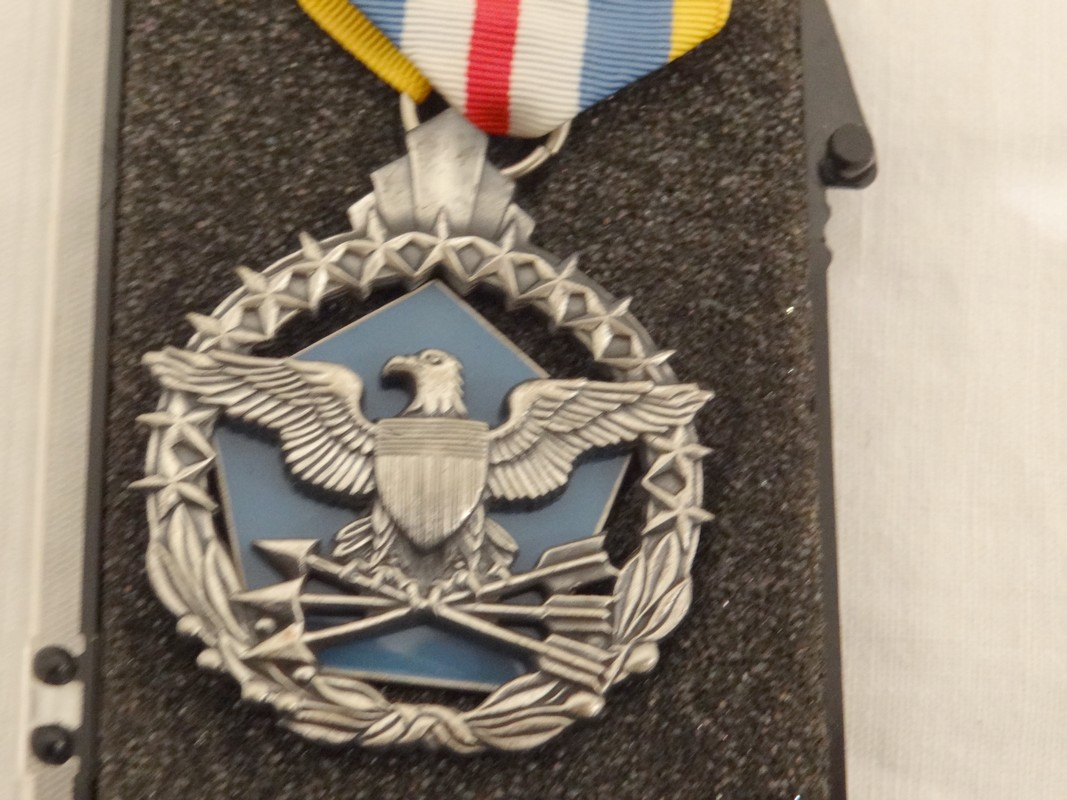 Decoration americaine defense superior service medal - Decoration americaine ...
